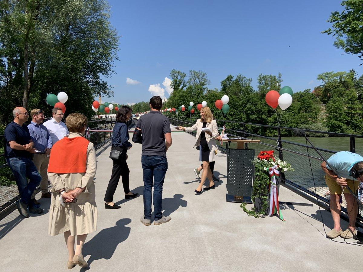 Erbauung einer Fußgänger- und Radfahrerbrücke in Landsberg